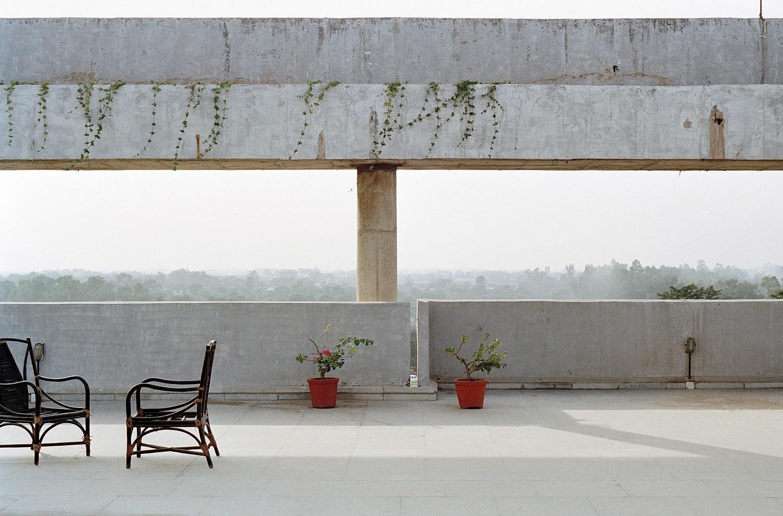 Chandigarh. Vue depuis la terrasse de l'hôtel Shivalik View, downtown |